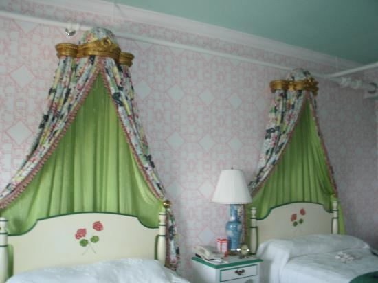 Pretty Beds pretty beds - picture of grand hotel, mackinac island - tripadvisor