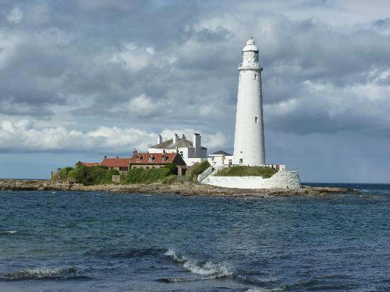 Whitley Bay, UK: st marys island nice walk from house