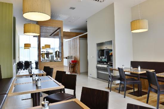 Ibis Olomouc Centre: Breakfast Restaurant