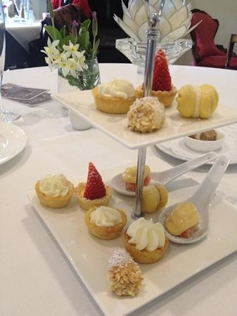 Magiric Emporium: absolutely delicious heavenly hand made petite desserts