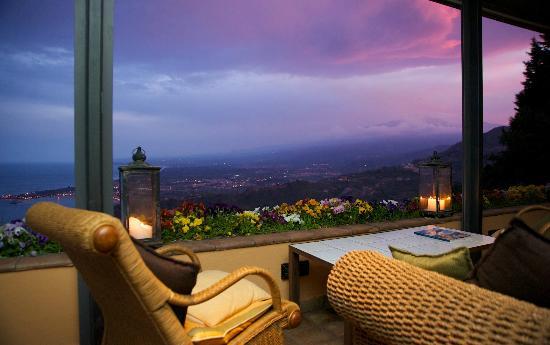 Panoramic terrace (44343450)