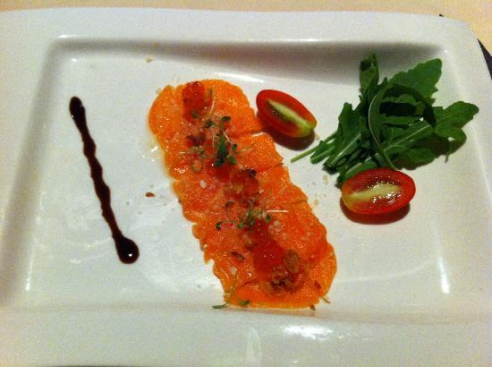 Mantra Restaurant & Bar : Wine Pairing Dinner: Salmon Carpaccio
