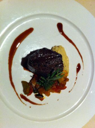 Mantra Restaurant & Bar : Wine Pairing Dinner: Lava Grilled Australian Tenderloin