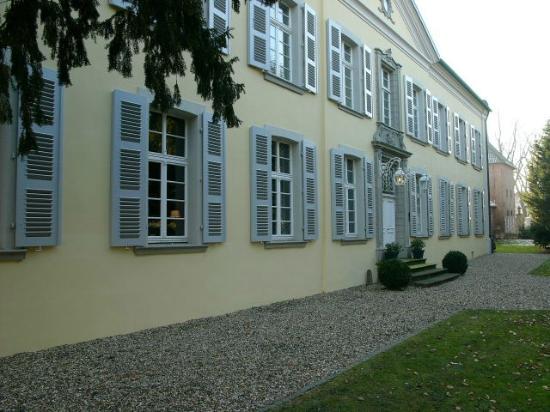 Rheinberg Hotels Und Pensionen