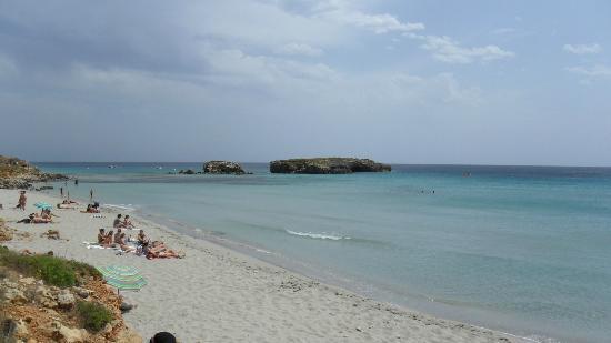 Sol Beach House Menorca : Spiaggia di Binigaus,vicina all'Hotel