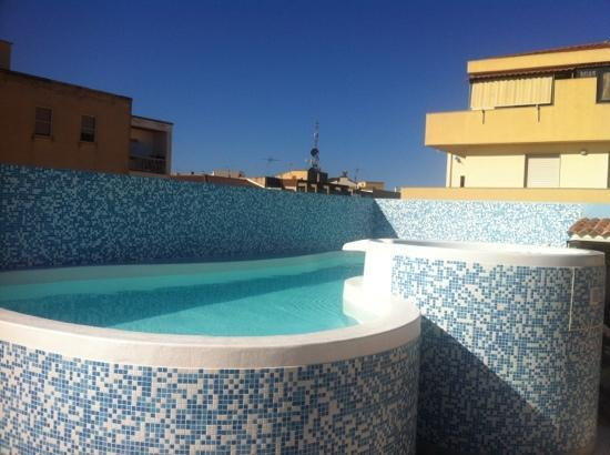 Hotel Domomea: small but lovely pool