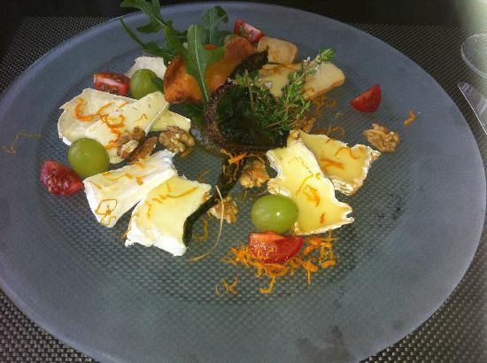 Hotel Vier Jahreszeiten Luebeck : Cheese Platter at Vier Jahreszeiten