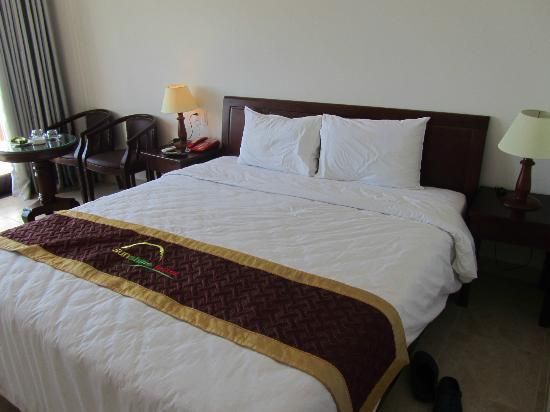 Sunshine Hotel Hoi An : room