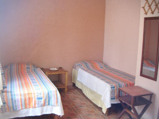 Hambilica Seaview : Room