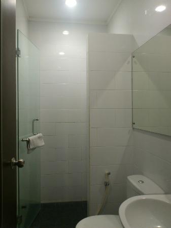 Citihub Hotel: Barhroom