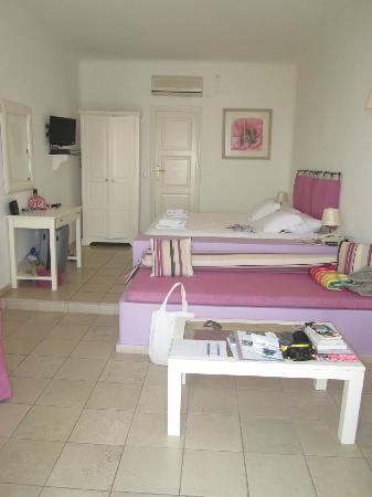 Tholos Resort: Our lovely room