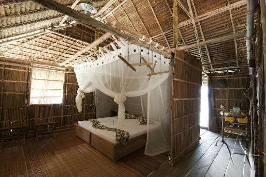 Kri Eco Resort: Superiour Room interiour