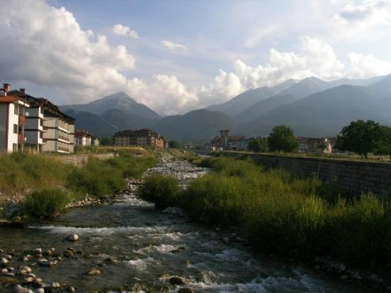 Pirin River Ski & Spa : View of the Pirin Mountains