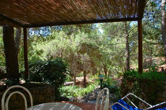 Villaggio Alberghiero Cala d'Arconte : Bungalow immersi nel verde
