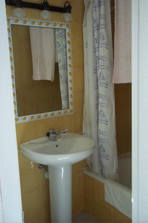 Hostal Valencia: salle de bain