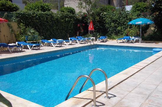 Hostal Valencia : piscine au calme