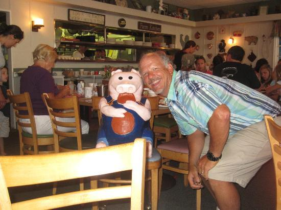 Uncle Will's Pancake House: Uncle Will the pancake pig!