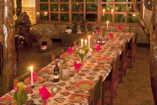 Kapishya Hot Springs: The dining room