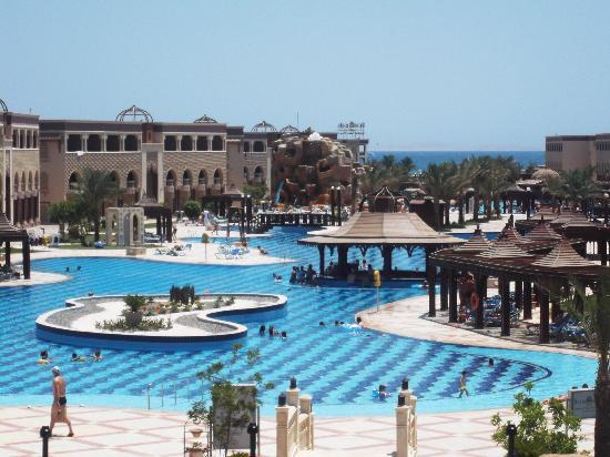 SUNRISE Garden Beach Resort -Select-: Sister hotel pools