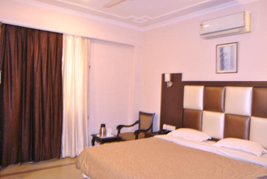 Hotel Paramount: ROOM