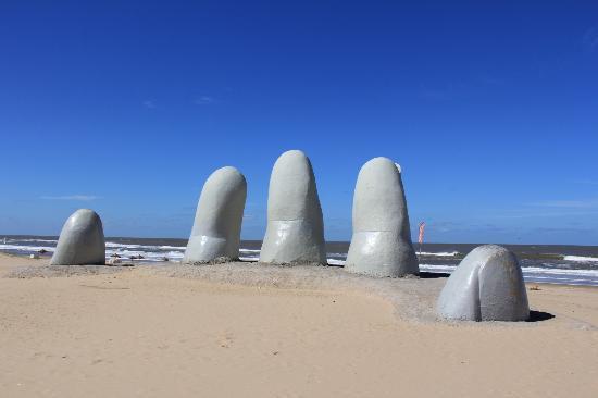 Punta del Este, Uruguay: Monumento de Los Dedos