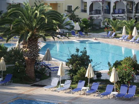 Tigaki Beach Hotel 사진