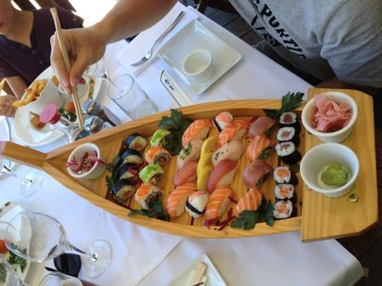 Loria Beach : assortiment de 28 sushis