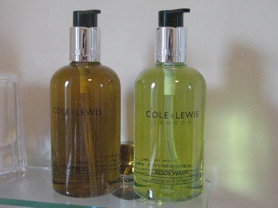 Clarence House: Complimentary toiletries from Cole & Lewis of London