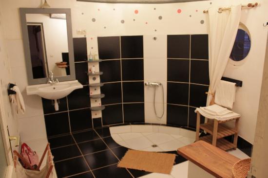 Superbe salle de bain photo de couleur cafe antsirabe tripadvisor for Superbe salle de bain