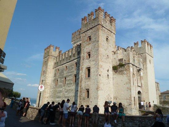 Lake Garda, อิตาลี: Entering Sirmione