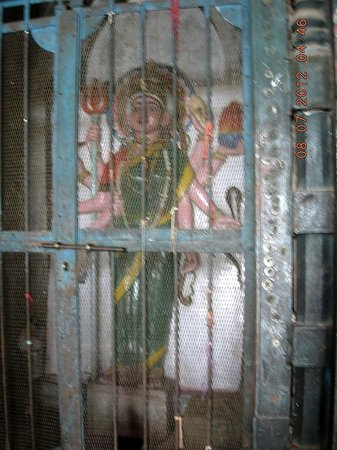 Daulatabad Fort: The statue of Bharat Mata - no goddess - a semi modern Indian addition in ancient Mughal Structu