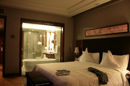 古爾岡皇冠假日飯店照片