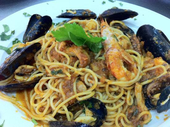 Taverna Dionysos : spaghetti with sea food