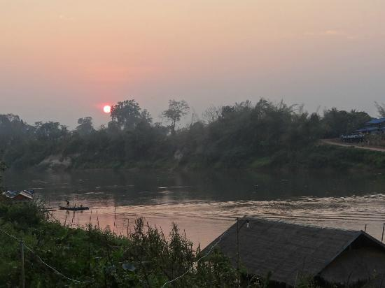 Rivertime Resort and Ecolodge: Sunset at Rivertime