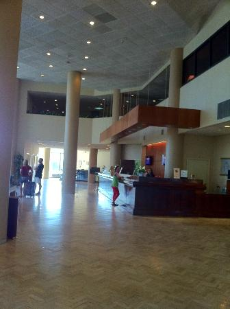 Doubletree by Hilton Near the Galleria: Registration/Check-in Area