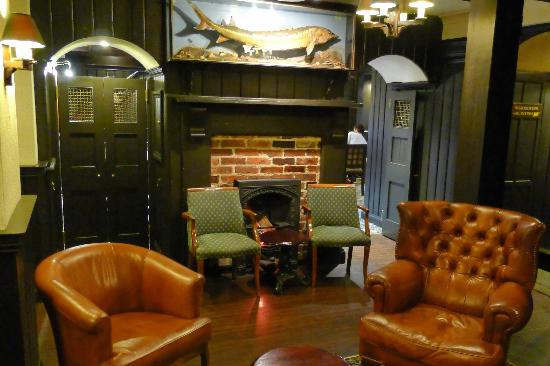 BEST WESTERN Old Tollgate Restaurant: Old Tollgate - The smaller lounge area
