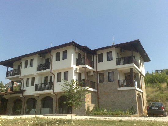 Hotel Orenda: View from the front of the hotel