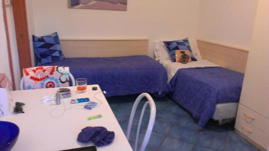 إيسبيريدي ريزورت: Living room with double beds 