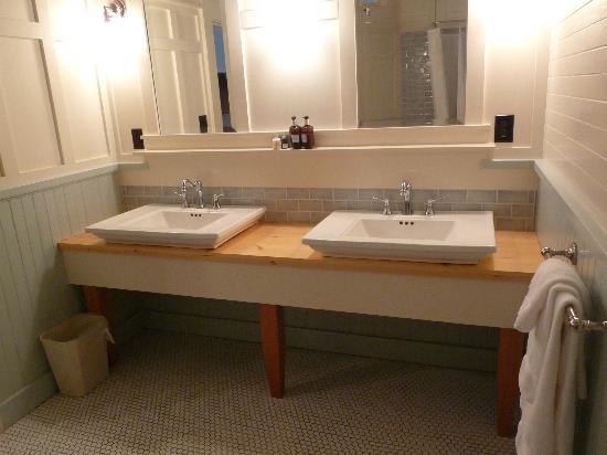 McCloud Mercantile Hotel: salle de bain