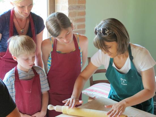 Villa Rosa dei Venti: Making pasta with Barbara