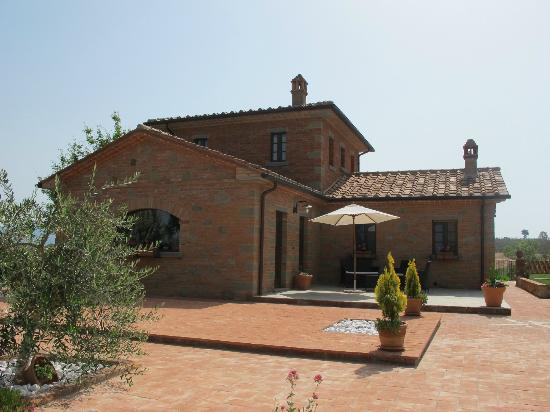 Villa Rosa dei Venti: Main house - site of the cooking class and feast!