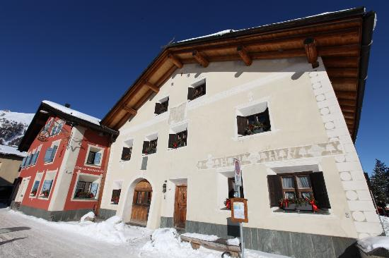 "Hotel Chesa Rosatsch - traditional Engadine ""Chesa"""