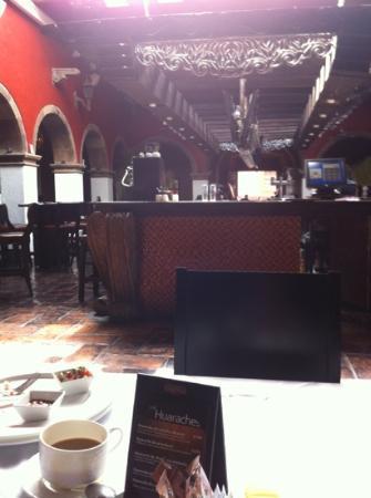Hacienda de Guadalupe Boutique Hotel: el lobby bar! inolvidable!