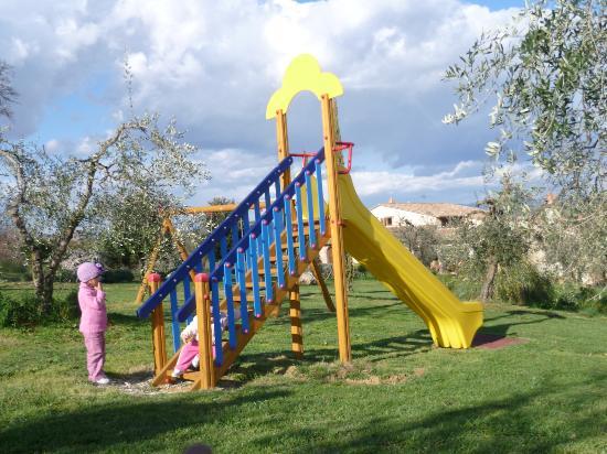 Agriturismo Poggio della Rosa: Giochi bambini