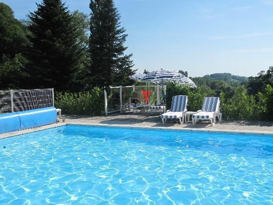 Domaine du Revermont: piscine