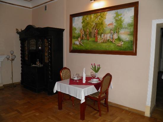 Palac Henrykow: Restauracja