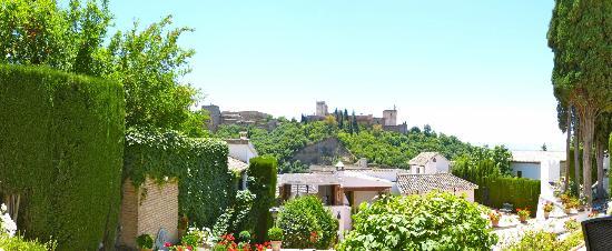 Carmen de Aben Humeya : View of the Alhambra