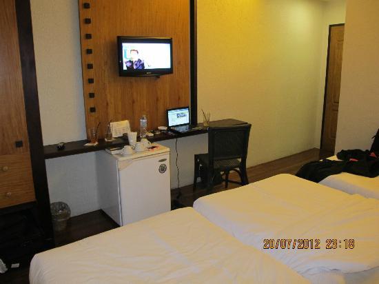 La Residencia Almar Hotel : nice tv