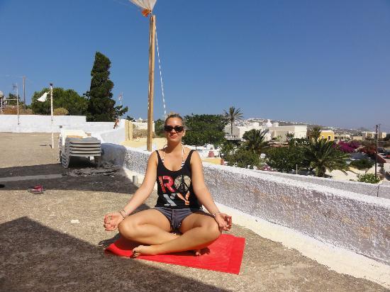 Santorini Yoga With Veronika : Morning session