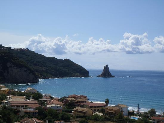 The Pink Palace : Amazing views of the coast from my room